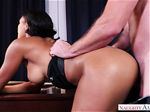 Harley Deen is into doing insane buisness
