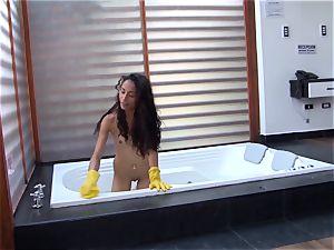 OPERACION LIMPIEZA - insatiable three way with Juanita Gomez