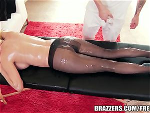 large butt beauty luvs oily assfuck