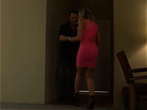 warm hooker Britney Amber picks up a lucky punter