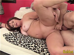 chubby and Mature Isabelle love Gets Her cunt licked and pounded