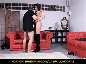 LAS FOLLADORAS - small japanese doggy style plow