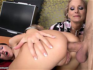 Sasha Rose gets her splendid butt tucked by a pulsating stiffy