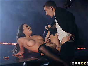 Abigail Mac packs her face with white-hot jizm