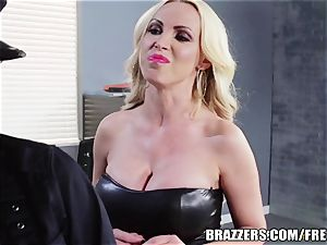 Brazzers - Rampant girl/girl cops go at it