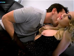 luxurious Kagney Linn Karter luvs plowing