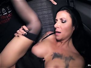 culos Bus – super-fucking-hot German bus tear up with dirty mature gal