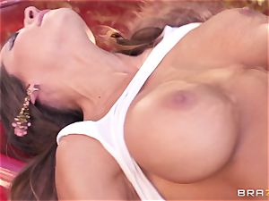 Luxury adult movie star Madison Ivy gets firm porked by Keiran Lee outdoor