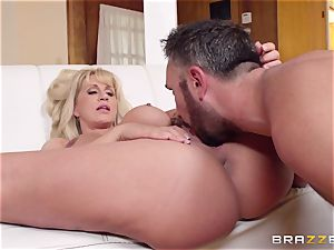 Mean mommy Ryan Conner pulverizes her daughters thick dicked dude