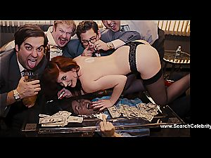 Margot Robbie naked in The grizzly of Wall Street