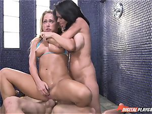 Carter Cruise almost passes out from extraordinary orgasm with Veronica Avluv