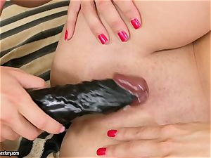 Mandy Dee smashes her girlfriend with their favorite plaything until they spunk
