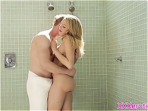 sexy gf pussyfucked in douche