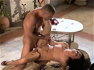India Summers India Summers is liking the ample shaft pleasing her super-steamy cooch har