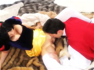 Riley Steele porked by the prince of her cravings