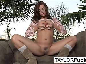 Taylor Vixen Gets A little Country