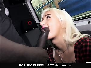 culos BUS - light-haired cutie gets jism on funbags in car bang