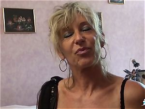 LA COCHONNE - bitchy French mature gets roughed up boink