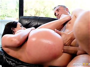plums deep in the culo of naughty Angela milky