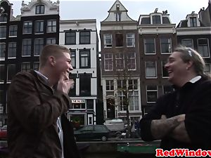 Pussyfucked dutch call girl salutes tourist