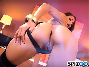Spizoo - stellar Jasmine Caro is disciplined by a phat pipe