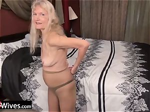 USAWives slender blondie grandmother Cindy solo have fun