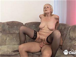Mature blondie plumbing and gets facial cumshot