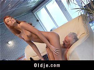 Oldman Gustavo glad to nail mind-blowing Erica Fontes