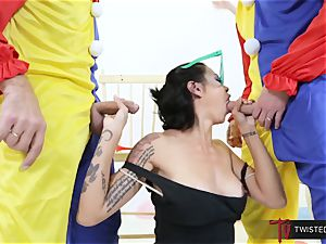Dana Vespoli fucked by creepy hefty weenie clowns