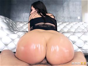 Alexa Nicole gets arse plug and salami in her scorching bum